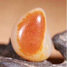 新疆和田玉籽料原石原籽玩料独籽红皮白肉精品玩料
